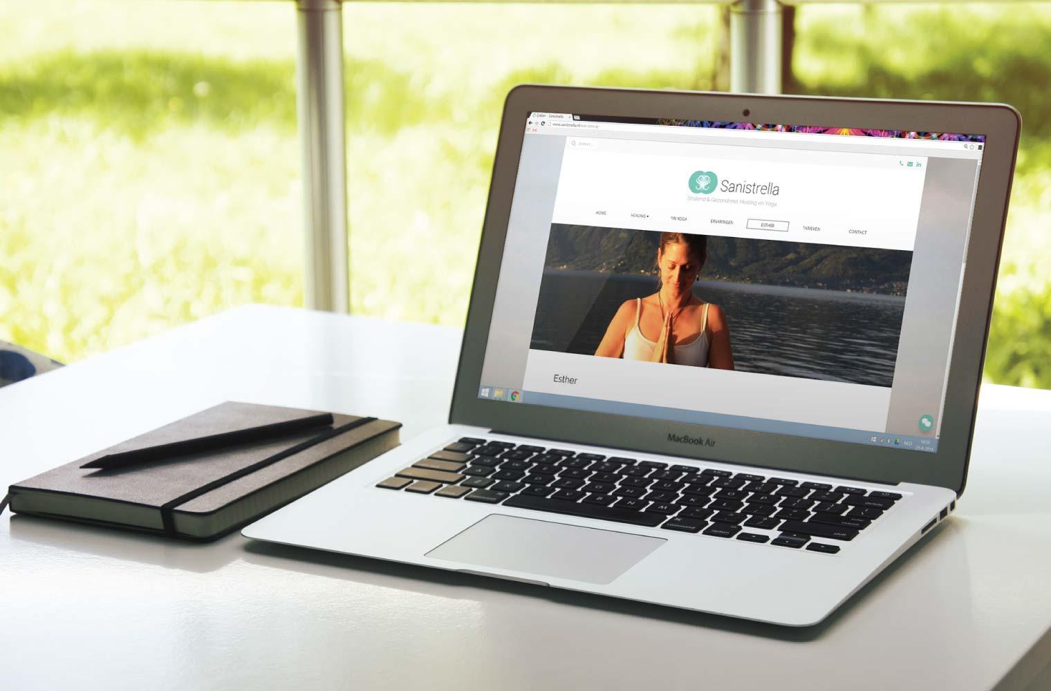 Website Sanistrella op MacBook