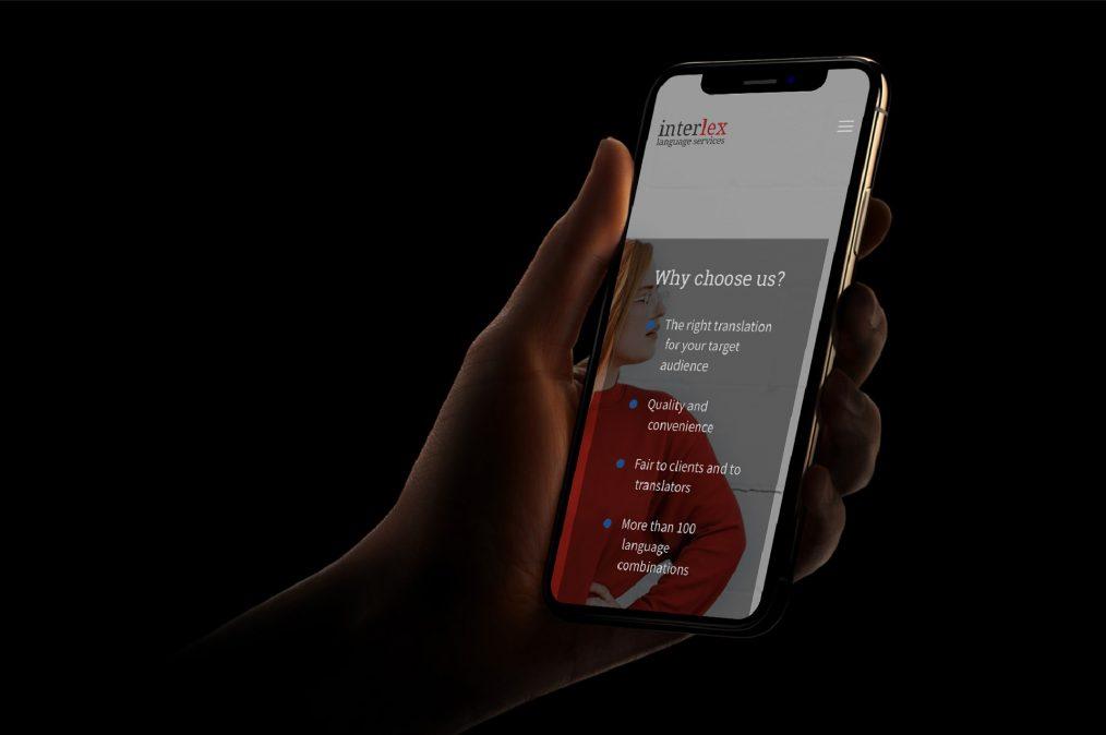 Website Interlex - mobile - door ILUZIE